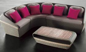 Где лучше брать диван из ротанга?