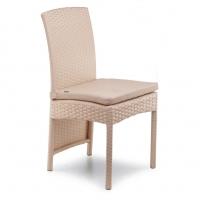 Ротанговий стілець високий