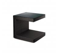 Приставний столик з ротангу