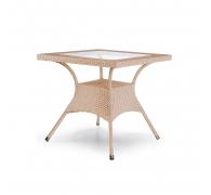 Стол квадратный из ротанга