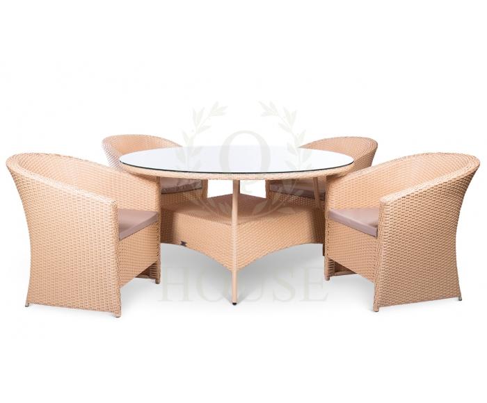 с обеденным столом
